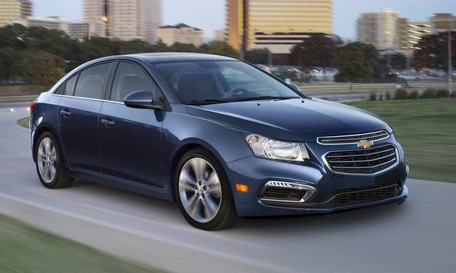 2015 Chevrolet Cruze, Front-quarter view. Copyright General Motors, exterior, manufacturer