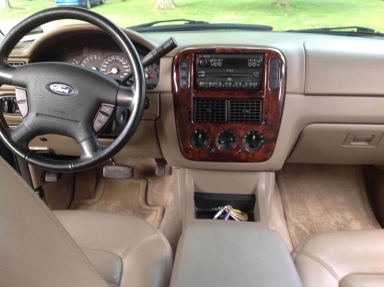 Picture Of 2004 Ford Explorer Xlt V6 Awd Interior
