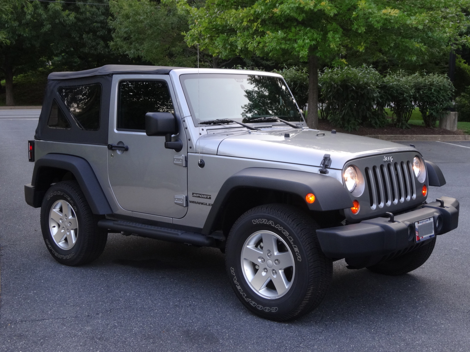 picture of 2013 jeep wrangler sport exterior. Cars Review. Best American Auto & Cars Review
