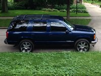 Picture of 2000 GMC Yukon XL 4 Dr 2500 SLE 4WD SUV, exterior