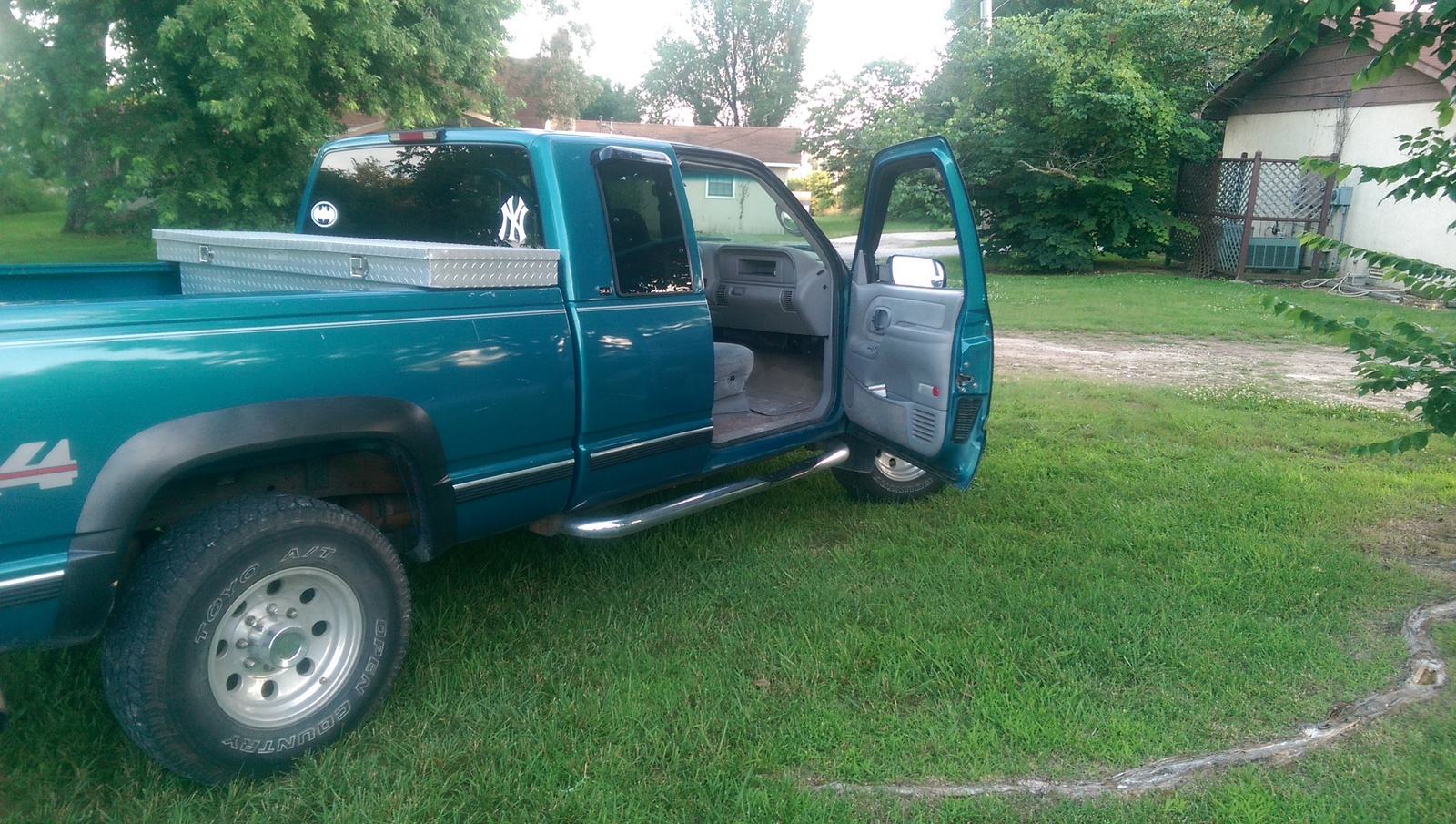 1998 GMC Sierra 2500 picture