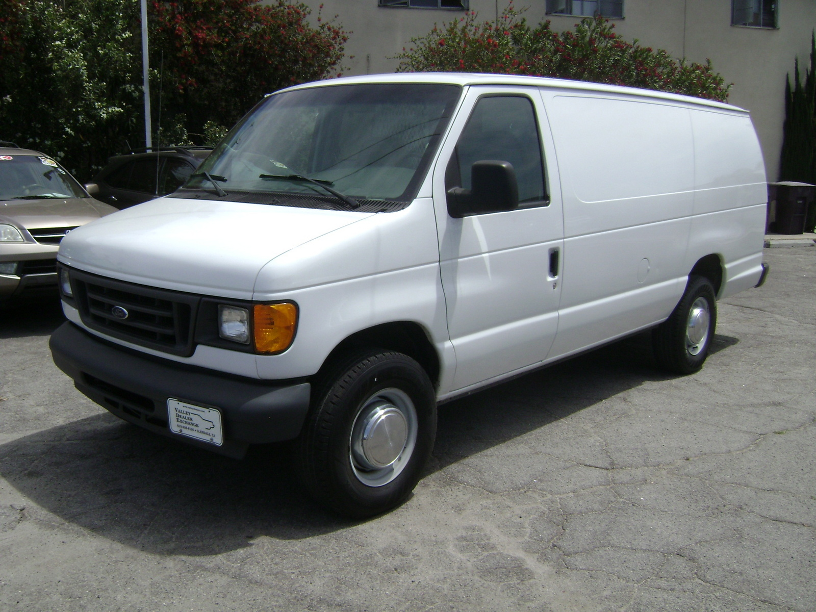 Picture of 2005 Ford Econoline Cargo 3 Dr E-350 Super Duty Cargo Van Extended