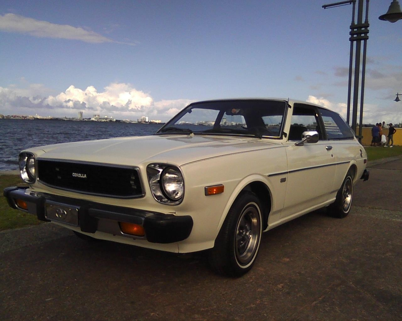toyota corolla questions where can i get a wingshield rubber for a 1979 toyota corolla. Black Bedroom Furniture Sets. Home Design Ideas