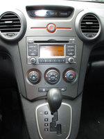 Picture of 2009 Kia Rondo LX, interior
