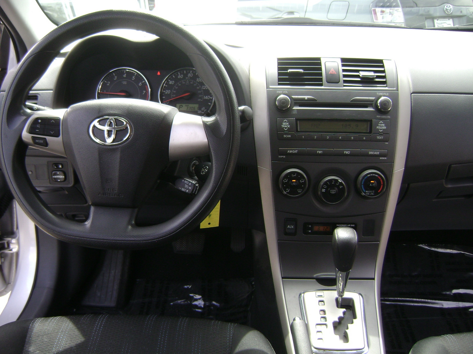 2011 toyota corolla interior the image for Interior toyota corolla