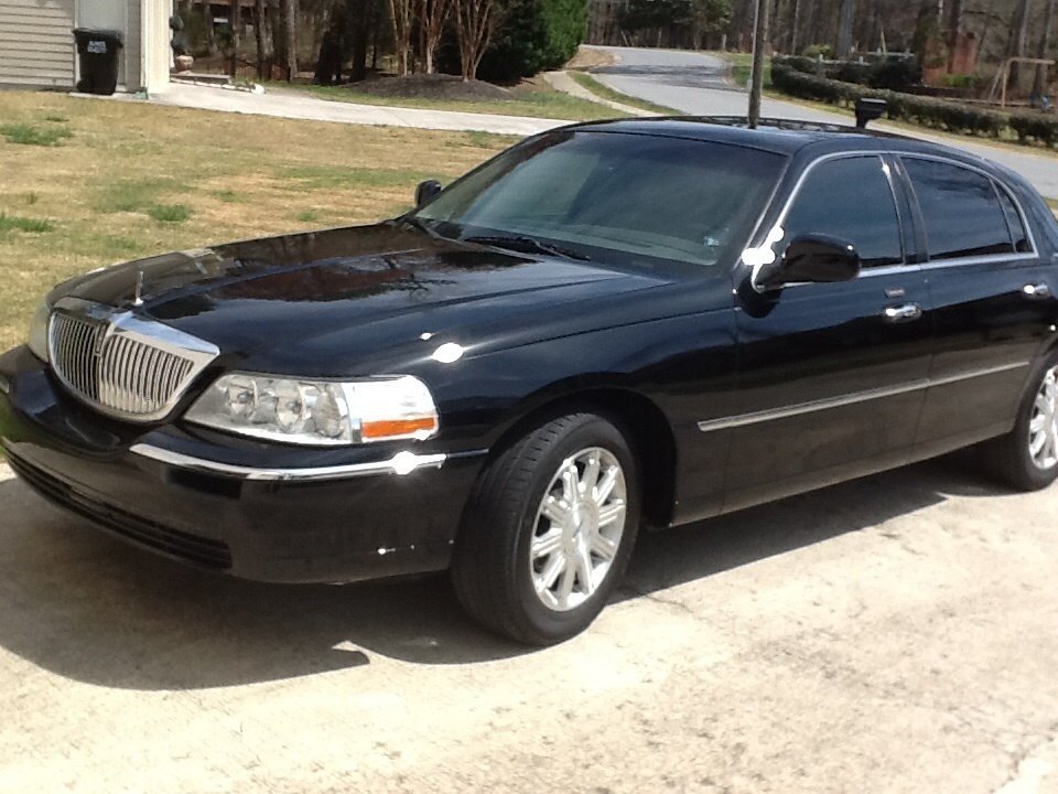 2006 lincoln town car overview cargurus. Black Bedroom Furniture Sets. Home Design Ideas