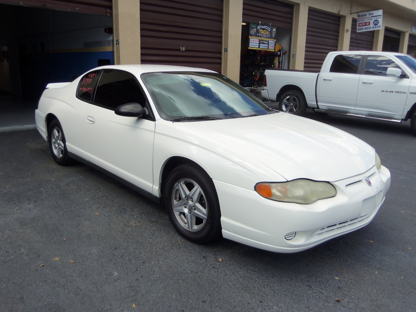 2005 chevrolet monte carlo overview cargurus. Black Bedroom Furniture Sets. Home Design Ideas