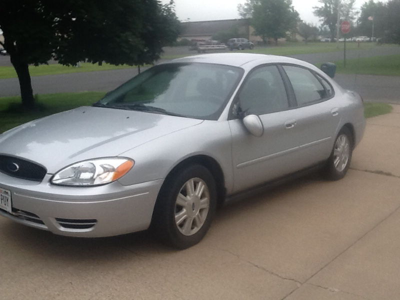 2005 ford taurus - pictures