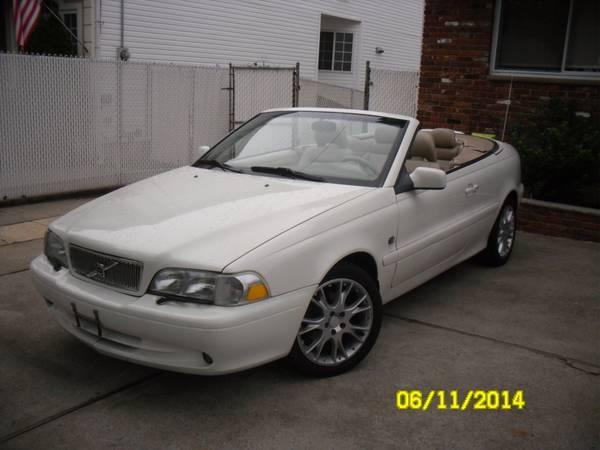 Picture of 2001 Volvo C70 2 Dr HT Turbo Convertible