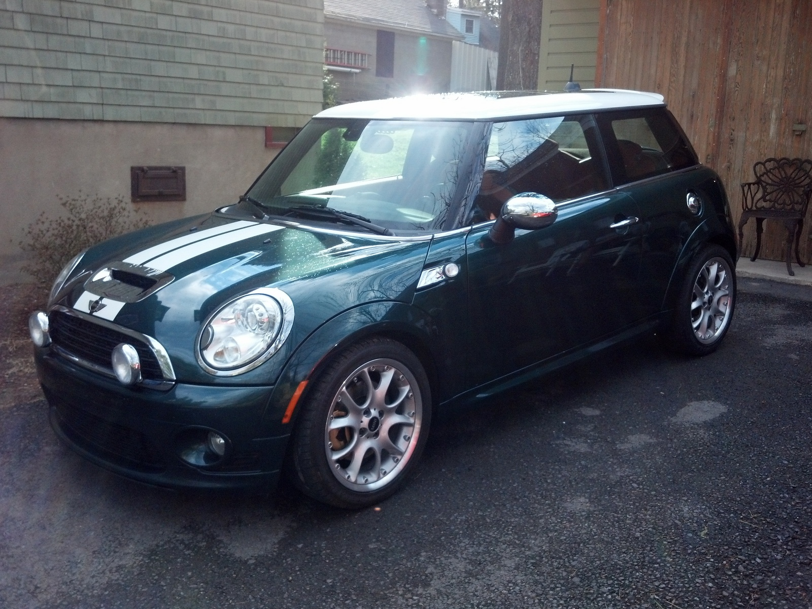 2009 mini cooper s used cars in greenwich 06831. Black Bedroom Furniture Sets. Home Design Ideas