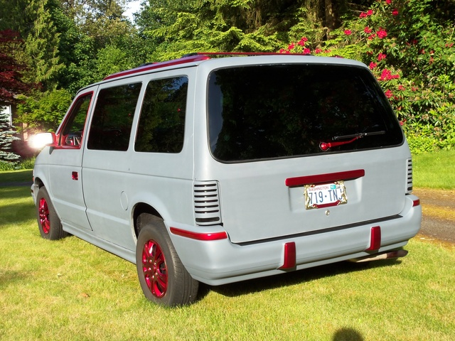 Picture of 1992 Plymouth Voyager LX