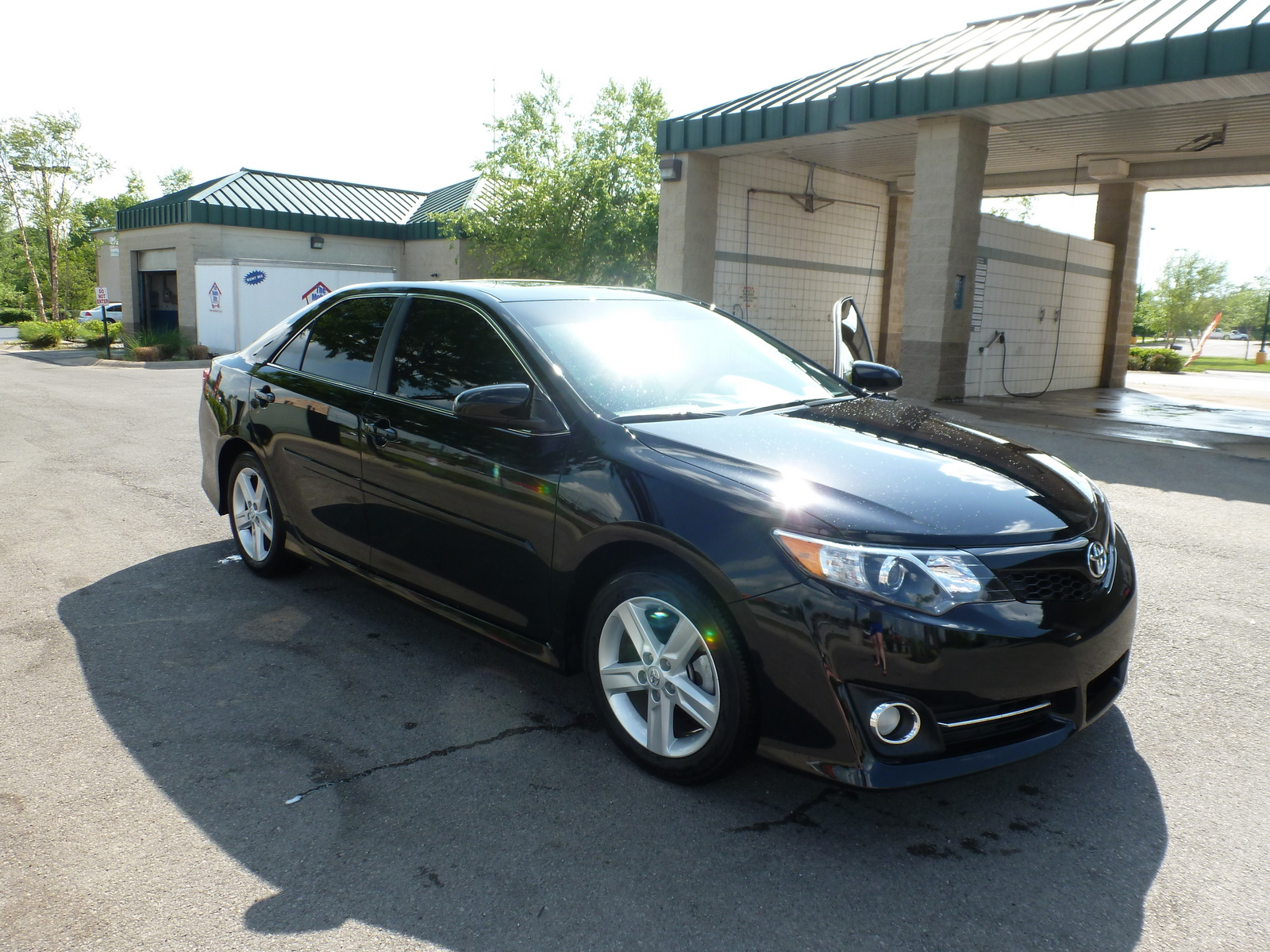 Picture of 2014 Toyota Camry SE