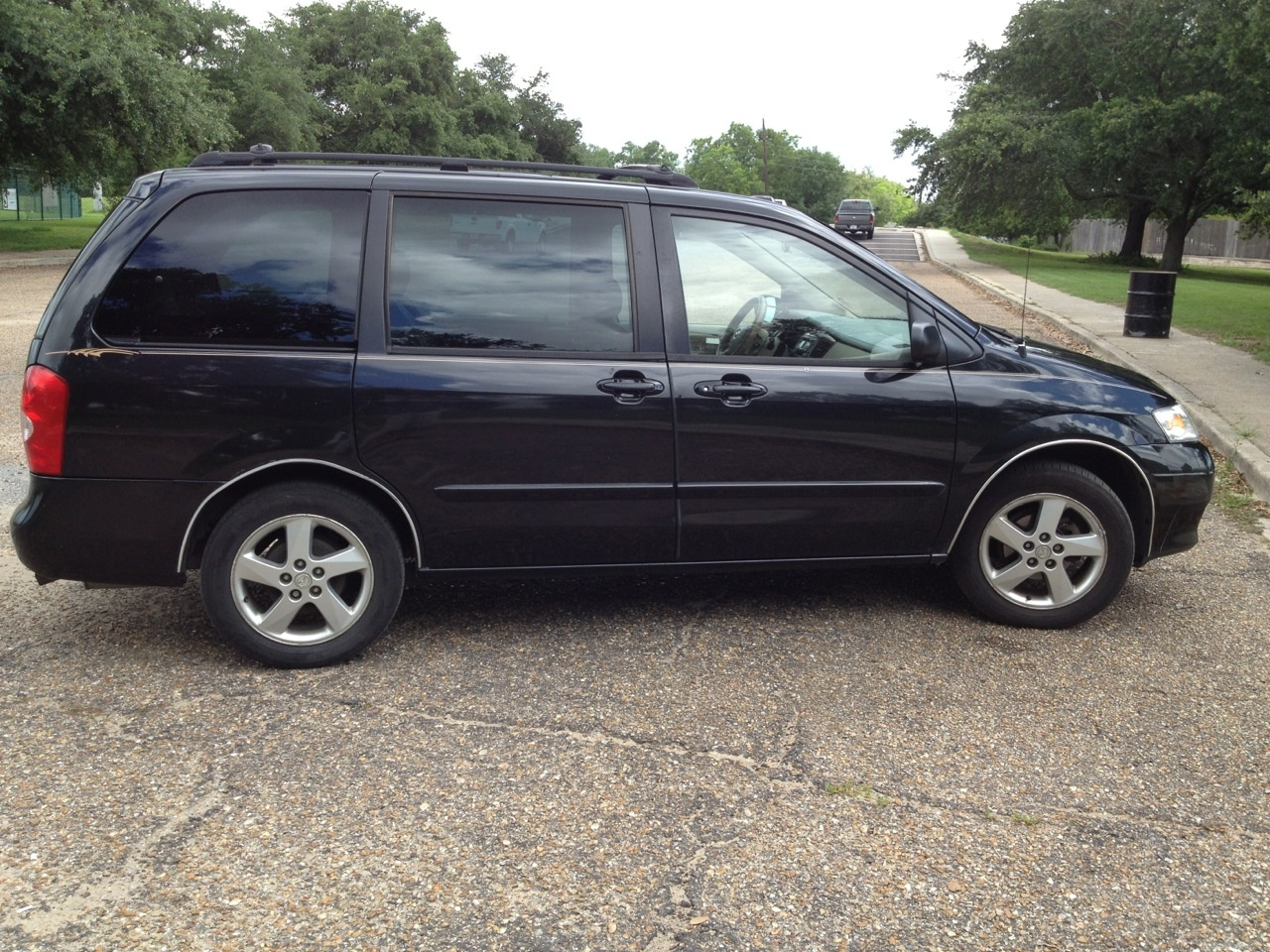 Picture of 2002 Mazda MPV ES