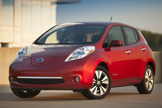 2015 Nissan LEAF, Front-quarter view, exterior, manufacturer, gallery_worthy