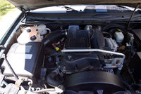 Picture of 2005 GMC Envoy XUV 4 Dr SLT 4WD SUV, engine