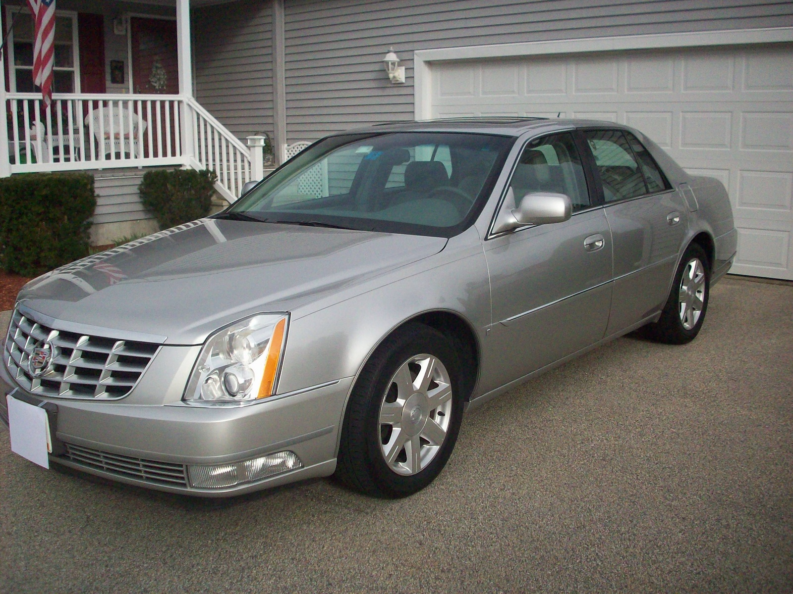2006 cadillac dts pictures cargurus. Black Bedroom Furniture Sets. Home Design Ideas