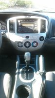 Picture of 2005 Mazda Tribute i, interior