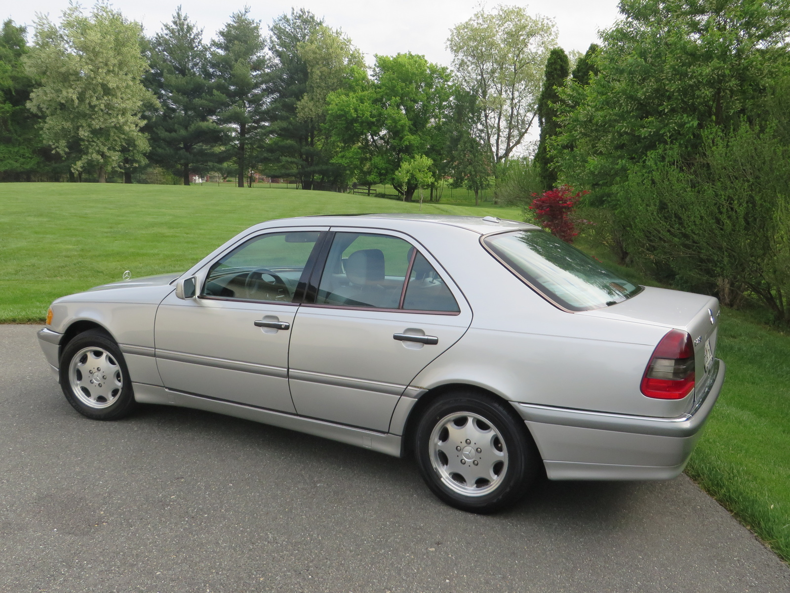Picture of 2000 mercedes benz c class 4 dr c230 for Mercedes benz c class 2000