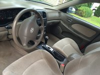Picture of 2005 Hyundai Sonata Base, interior, gallery_worthy