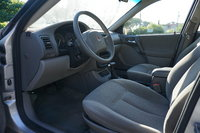 Picture of 2002 Saturn L-Series 4 Dr L100 Sedan, interior