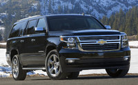 2015 Chevrolet Suburban, Front-quarter view. Copyright General Motors, exterior, manufacturer, gallery_worthy