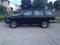 1998 Nissan Pathfinder 4 Dr XE 4WD SUV picture, exterior
