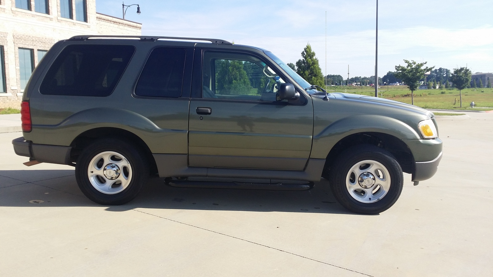 picture of 2003 ford explorer sport 2 dr xls suv exterior. Cars Review. Best American Auto & Cars Review