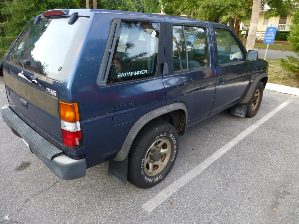Picture of 1993 Nissan Pathfinder 4 Dr XE 4WD SUV