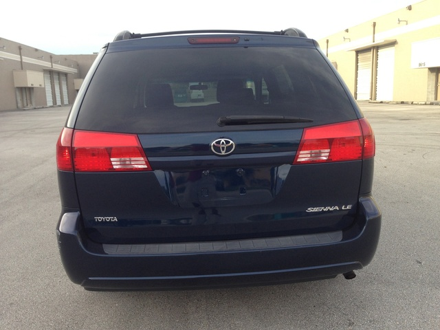 Picture of 2004 Toyota Sienna