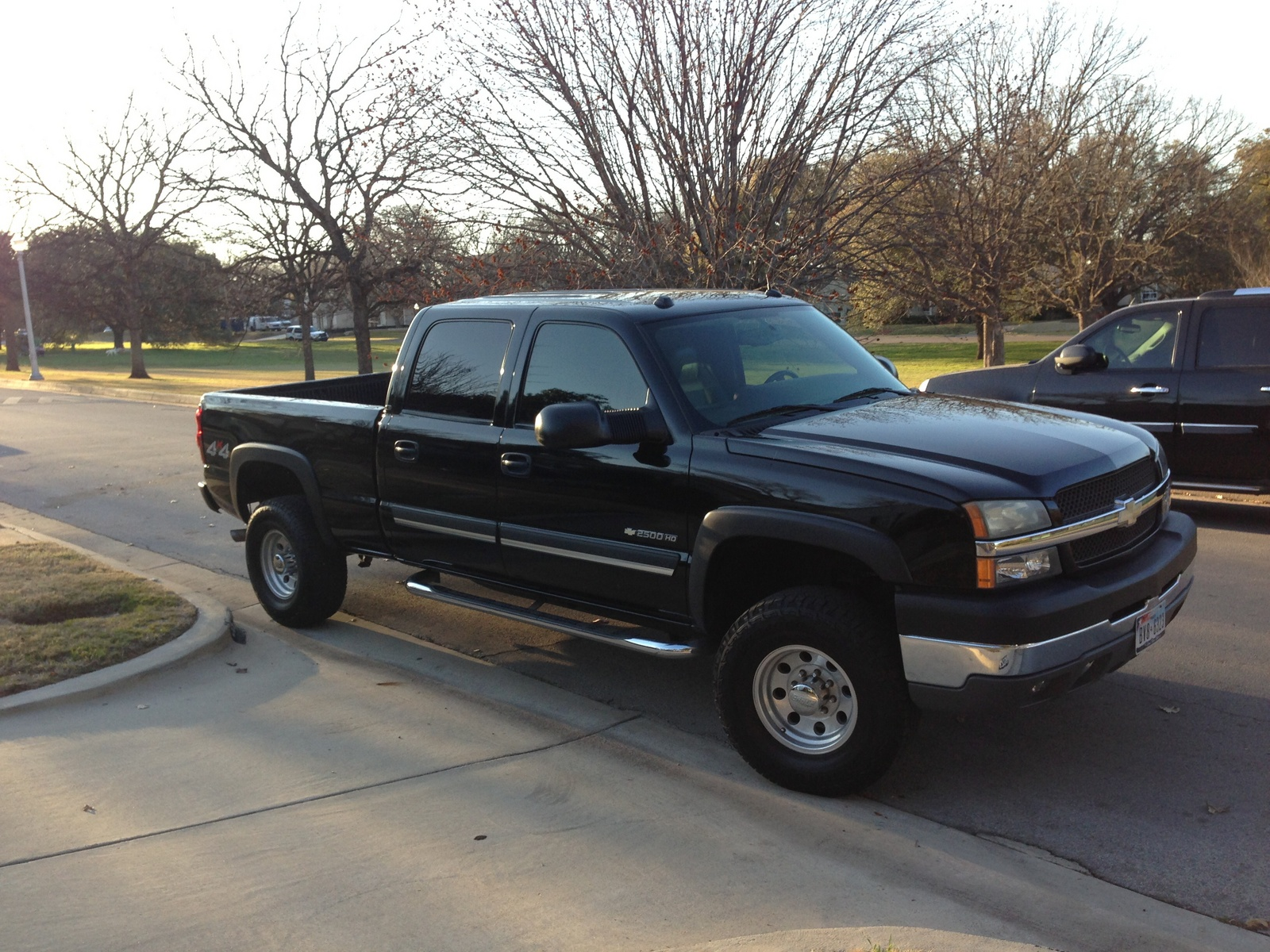 picture of 2004 chevrolet silverado 2500hd 4 dr std 4wd crew cab sb hd. Cars Review. Best American Auto & Cars Review