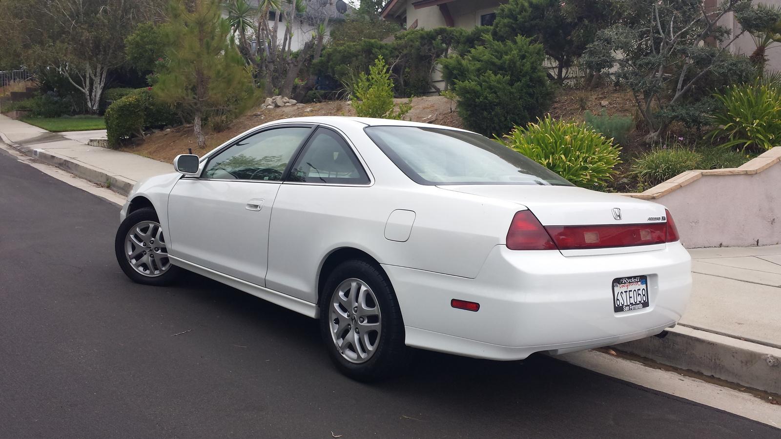 2002 honda civic pictures cargurus for Honda hatchback ex