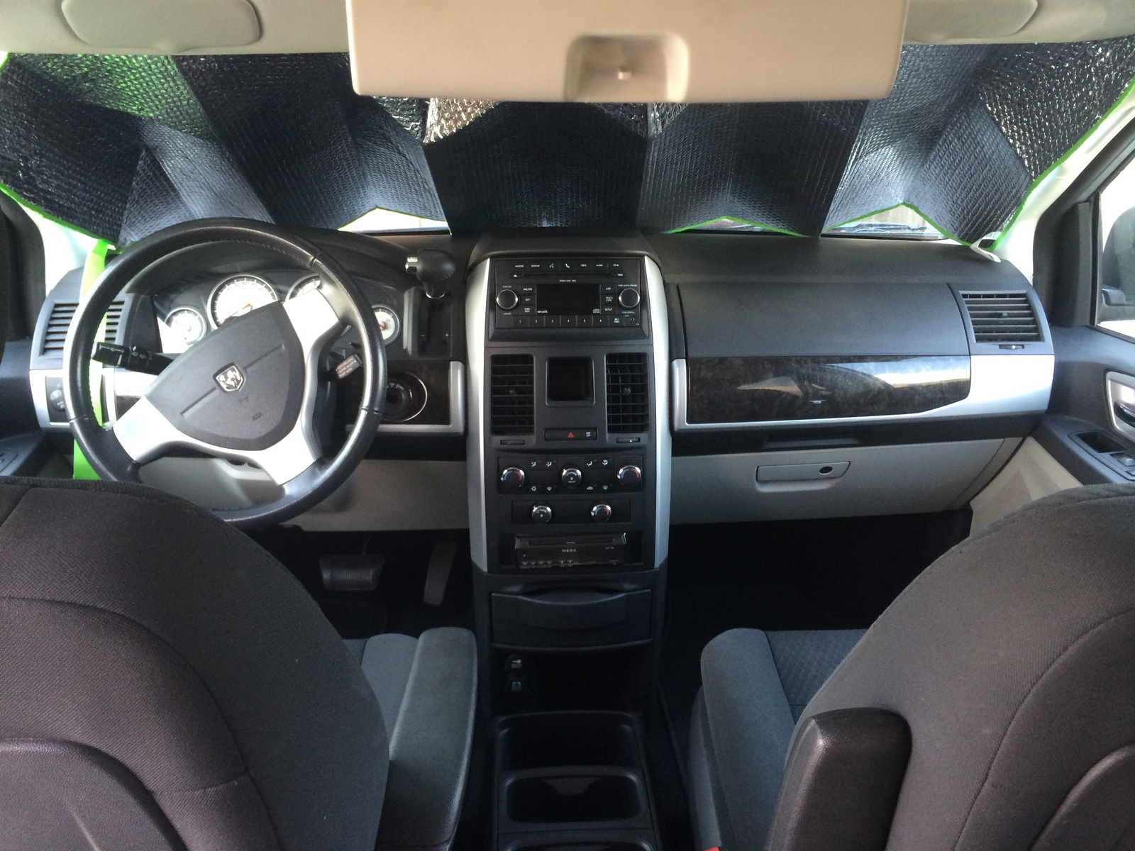 2010 Dodge Grand Caravan Sxt Interior Pictures To Pin On Pinterest Pinsdaddy