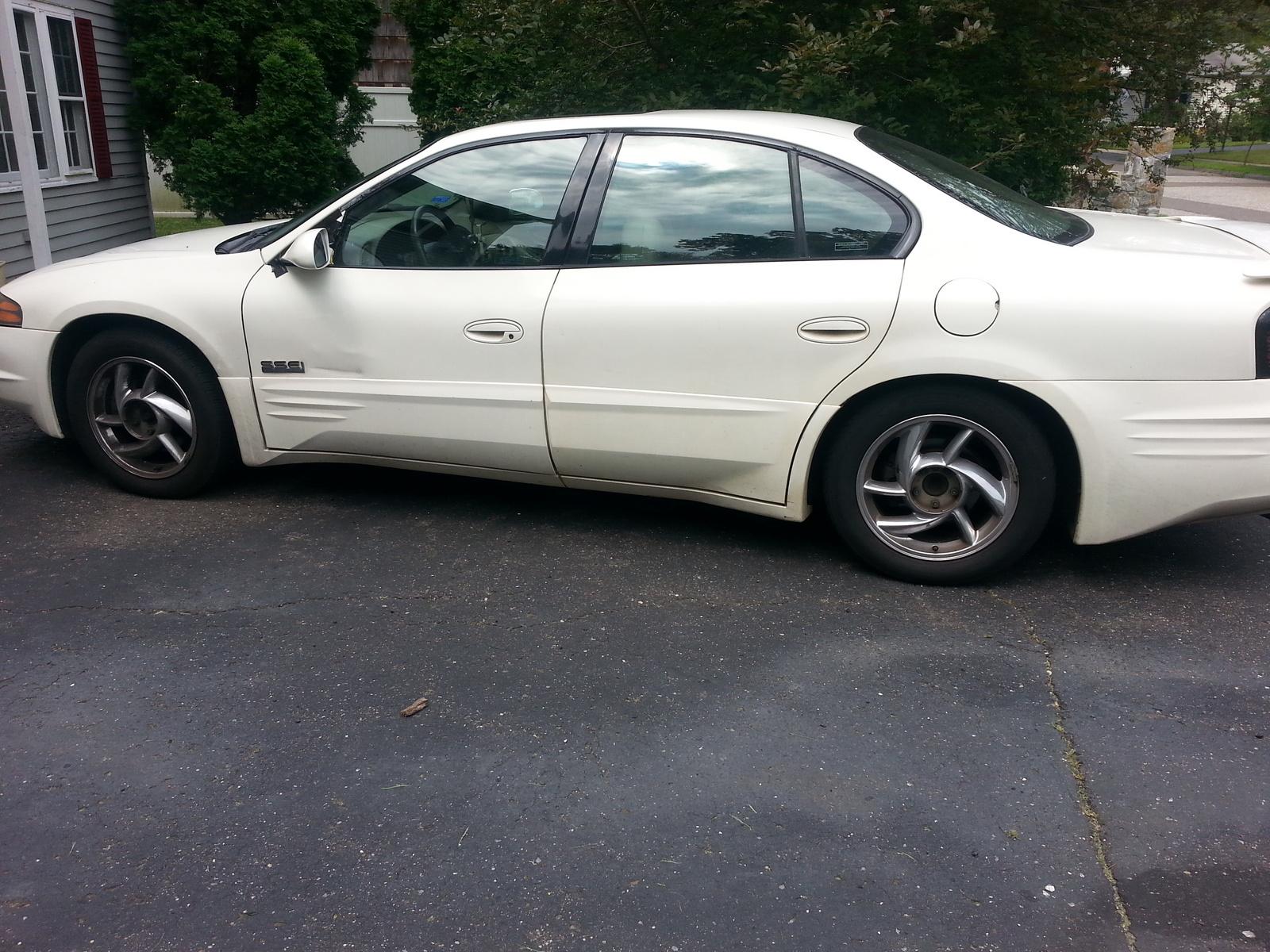 2001 Pontiac Bonneville - Overview