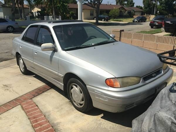 Picture of 1995 Hyundai Elantra 4 Dr SE Sedan