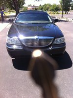 2005 Lincoln Town Car Signature picture, exterior