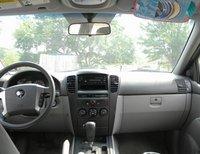 2005 Kia Sorento LX picture, interior