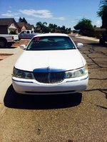 Picture of 2000 Lincoln Town Car Executive, exterior