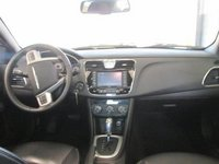 Picture of 2012 Chrysler 200 Limited