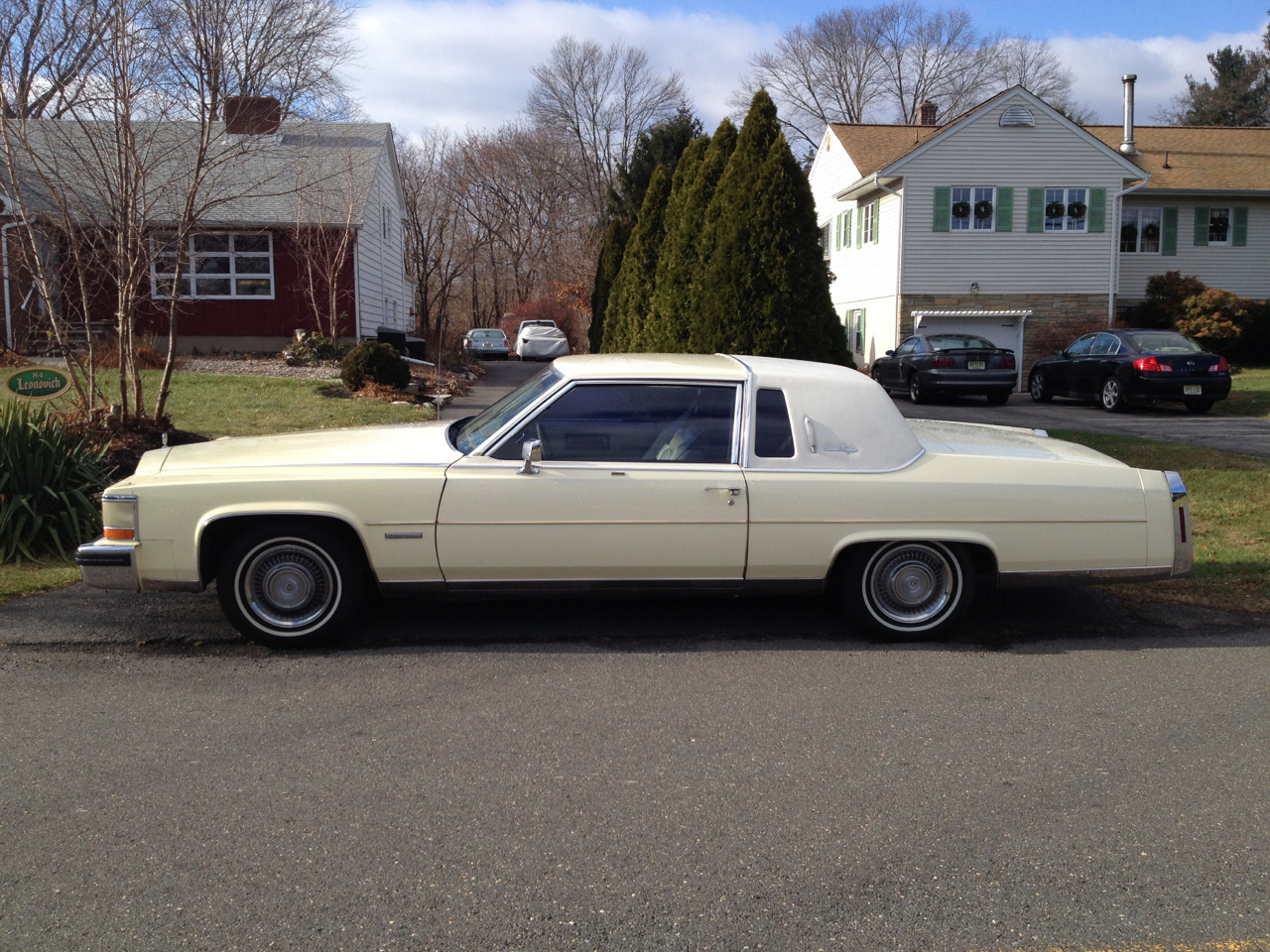 1988 Lincoln Town Car as well 2013 Sorento eu Version besides Watch moreover 1970 Ford Thunderbird 2 Door Hardtop together with Chrysler US. on 1978 lincoln town car for sale