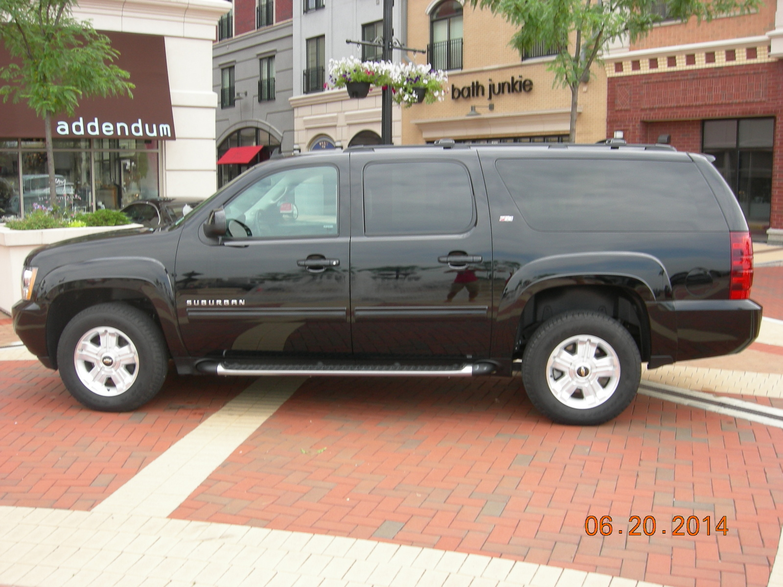 picture of 2014 chevrolet suburban ltz 1500 4wd exterior. Cars Review. Best American Auto & Cars Review