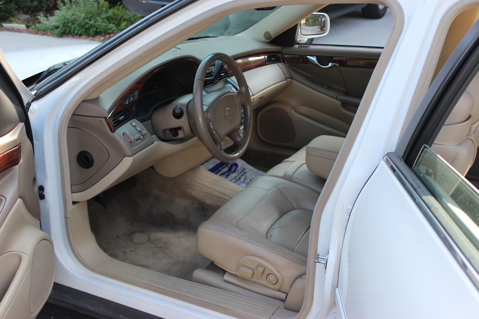 Picture Of 2005 Cadillac Deville Base Interior