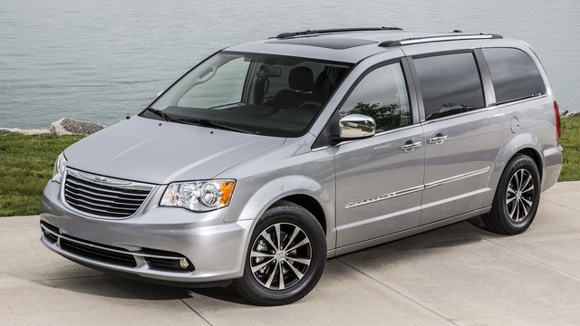 2015 Chrysler Town & Country, Front-quarter view, exterior, manufacturer, gallery_worthy