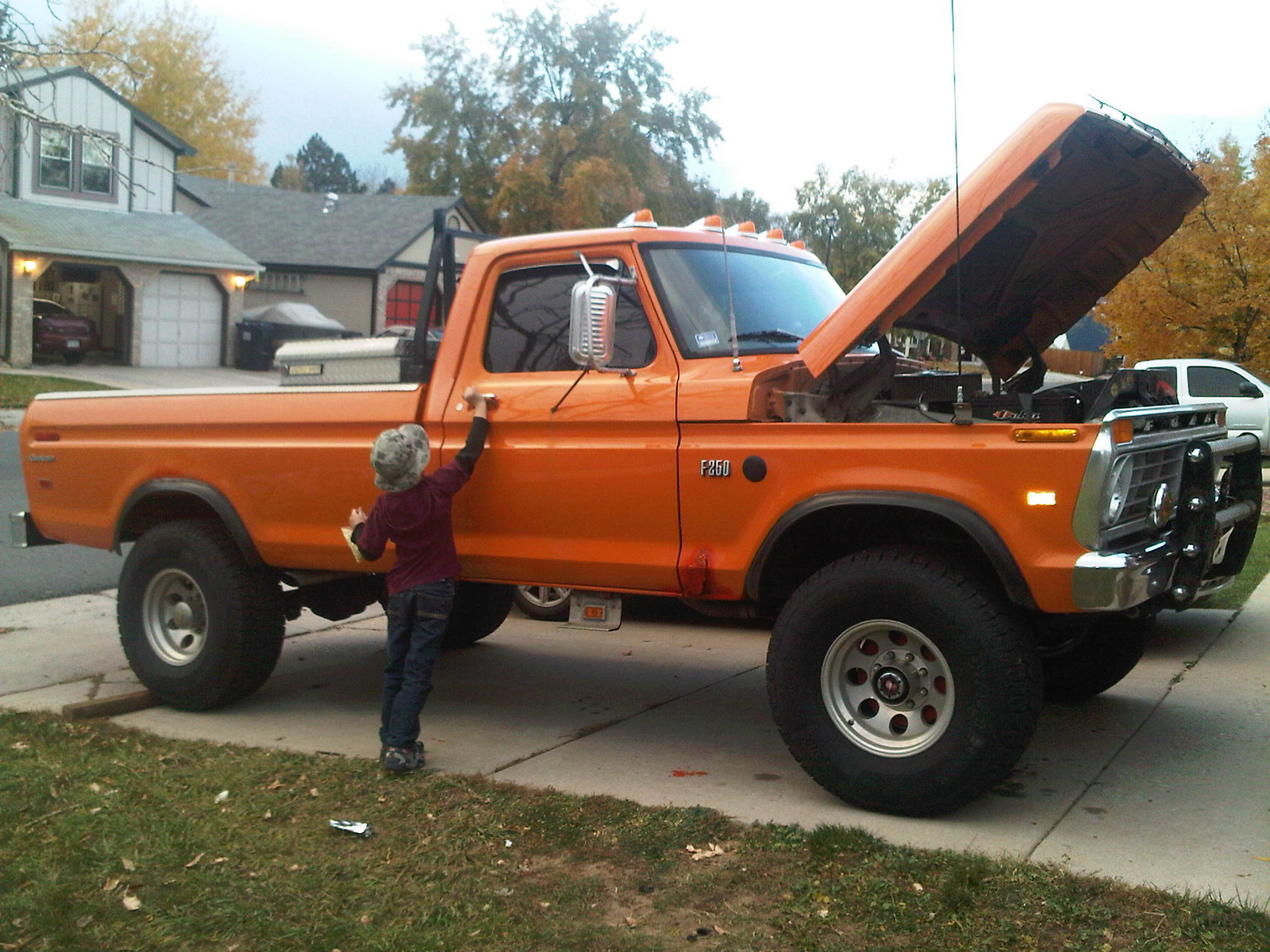 1005tr 1993 Chevy C1500 together with 1976 Ford F 250 Overview C4497 besides 2015 Ford Highboy furthermore 1978 Ford F 150 Pictures C4462 together with Watch. on 1989 ford f 250
