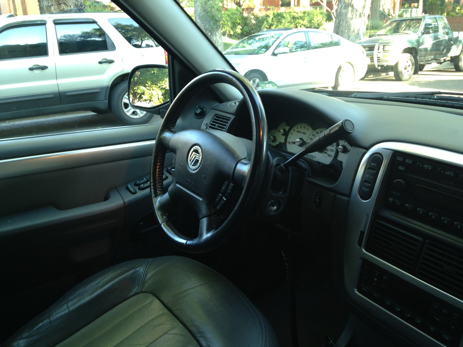 Picture Of 2003 Mercury Mountaineer 4 Dr Std Awd Suv Interior