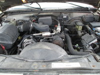 Picture of 1999 GMC Suburban C1500 SLE, engine
