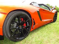 Picture of 2014 Lamborghini Aventador Roadster