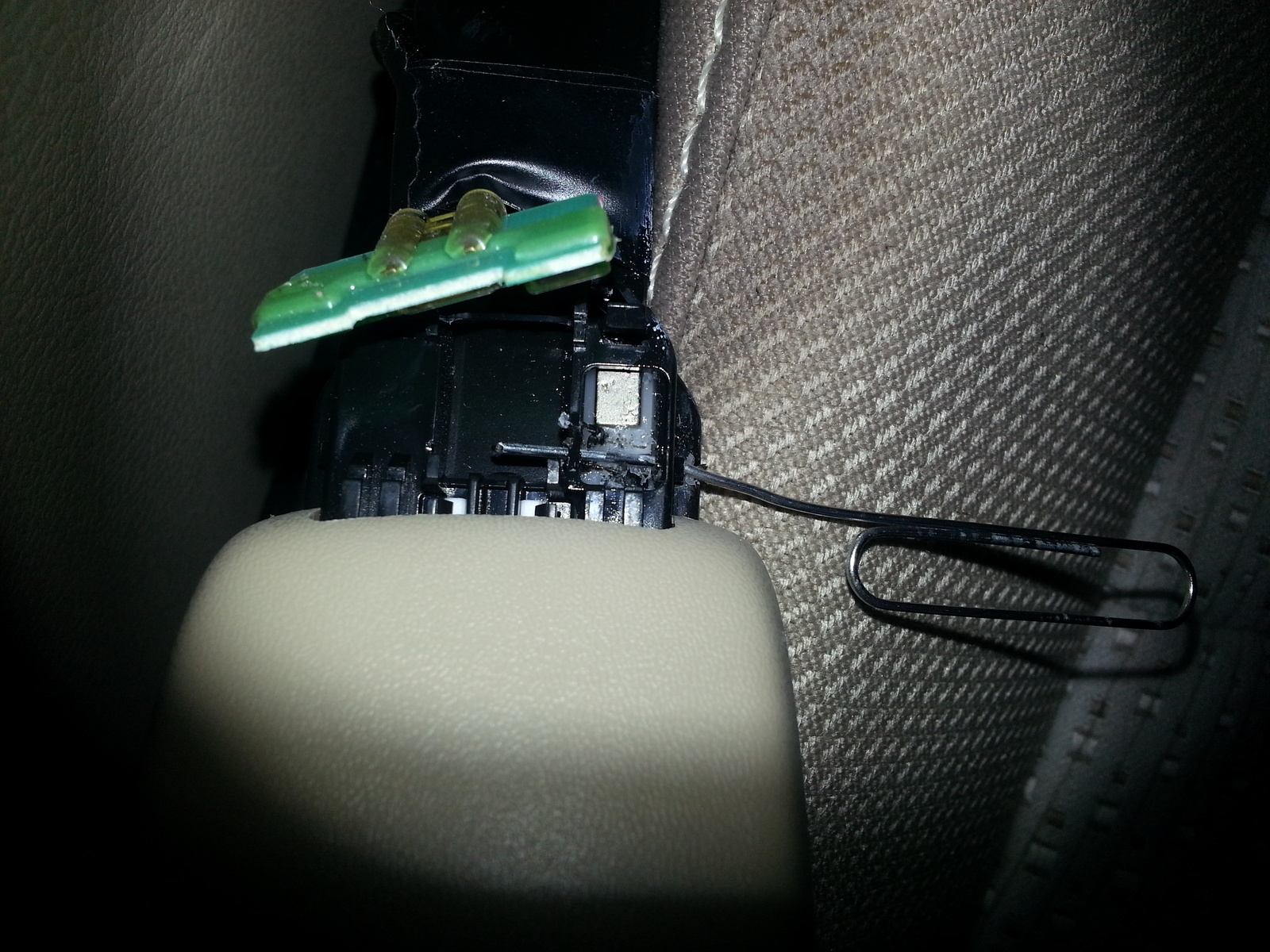 Toyota Camry Questions - How can I disable the seatbelt