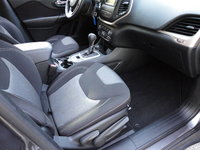 Picture of 2014 Jeep Cherokee Latitude 4WD, interior