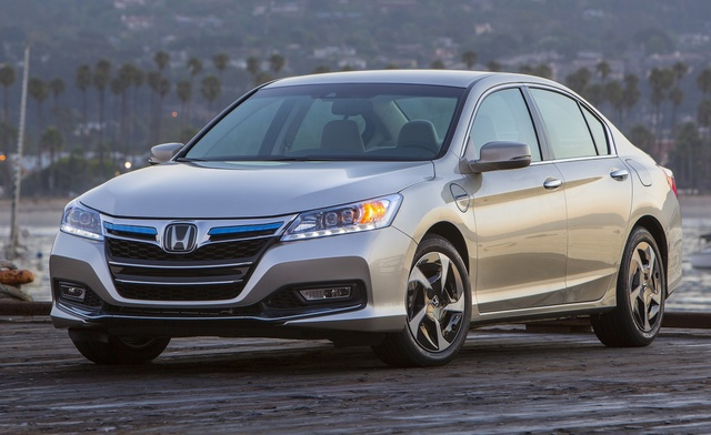 2014 Honda Accord Plug-In Hybrid, Front-quarter view, exterior, manufacturer, gallery_worthy