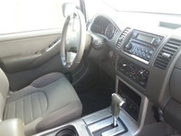 2005 Nissan Pathfinder LE 4WD picture, interior
